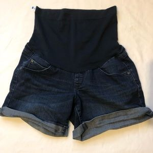 Pants - A Glow Boyfriend Shorts Sz 6